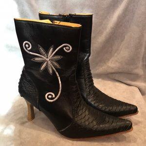 Spool Heel Boots